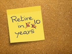 Post it note saying retire in 10 years with 5 years crossed out